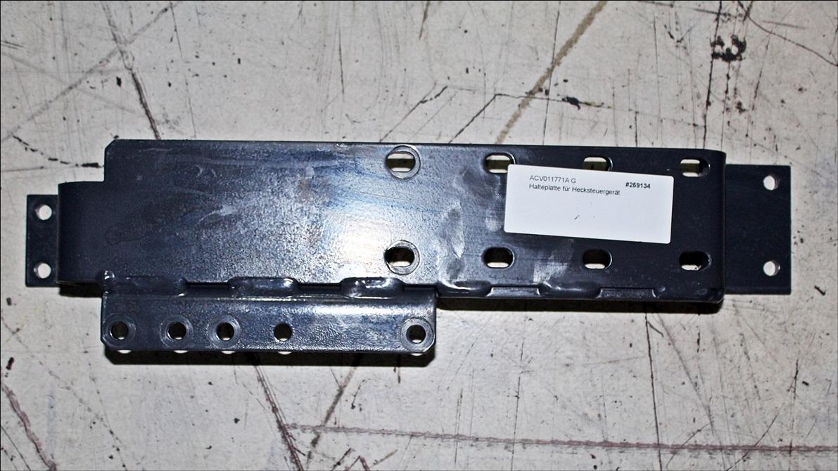 Valtra Halteplatte für Hecksteuergerät ACV011771A G