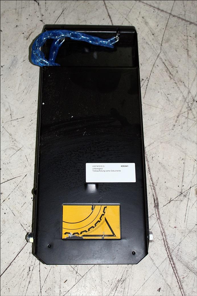 Valtra Unterlegkeil V32747010 G